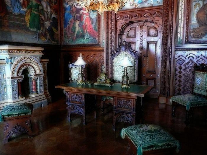 Замок Нойшванштайн, читальный зал