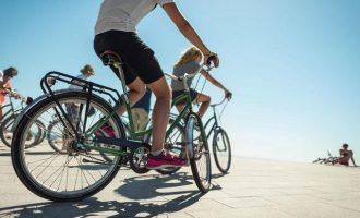 Барселонета, пляж, велосипед