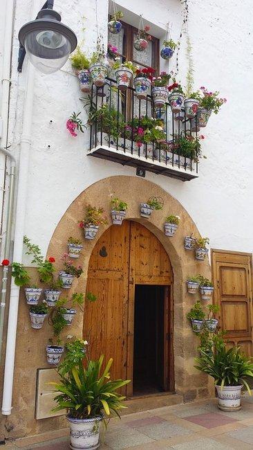 Старые здания и живописные улочки Хавеи