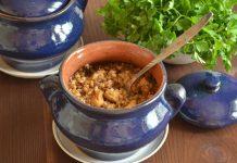 Гречка с курицей в горшочке - рецепт с фото