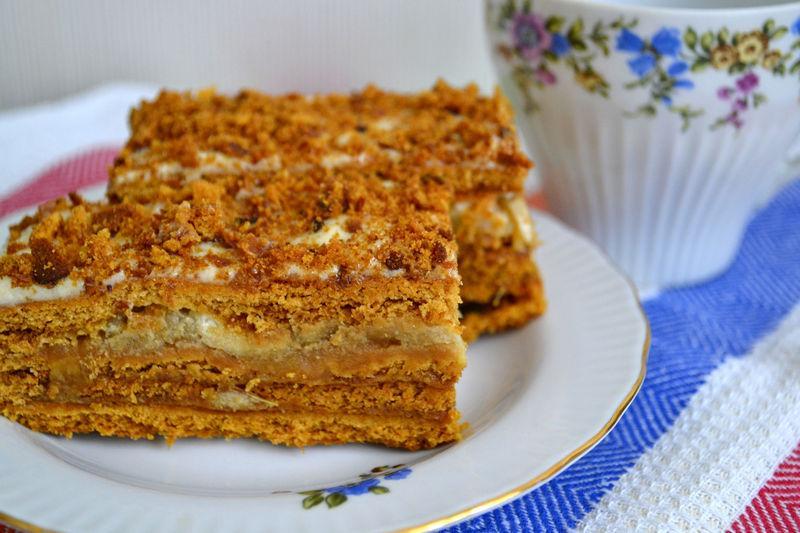 Домашний медовый торт со сгущенкой