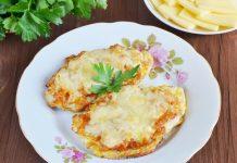 Отбивные из куриных грудок под сыром - рецепт с фото