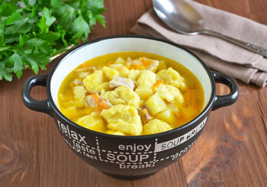 Куриный суп с клецками - рецепт с фото