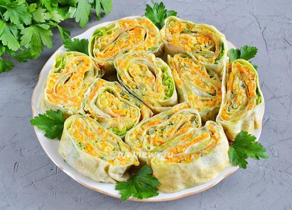 рулета из лаваша с листовым салатом и сыром