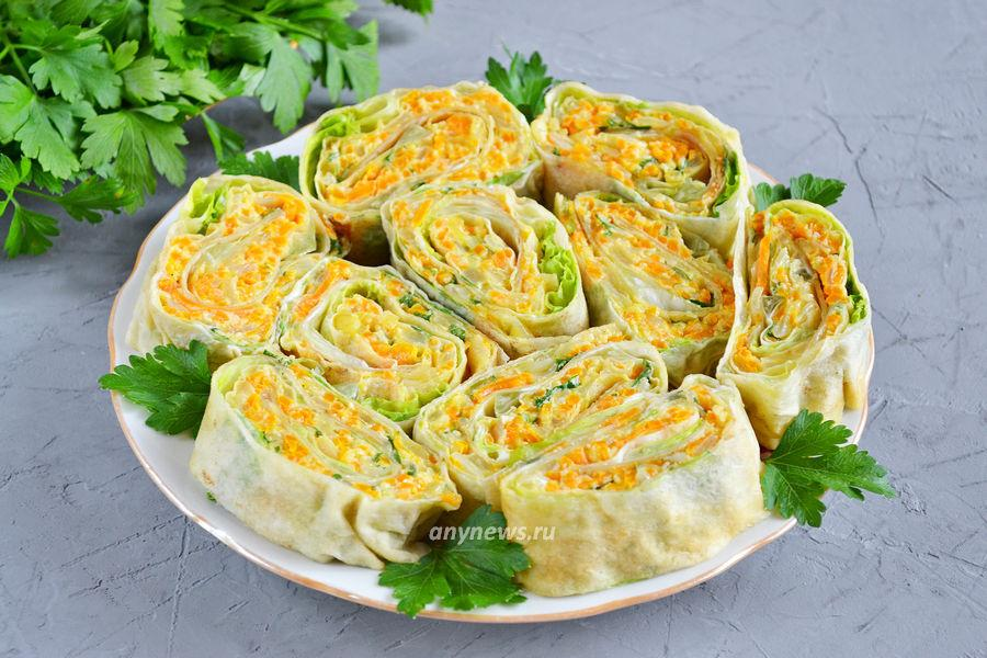 рулета из лаваша с листовым салатом и сыром - рецепт