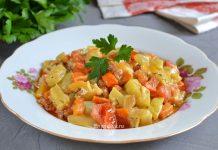 овощное рагу с кабачками и сметаной - рецепт
