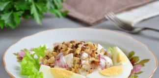 Салат с жареными грибами и яйцом - рецепт