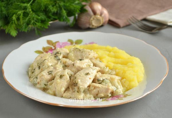 Курица тушеная в кефире на сковороде