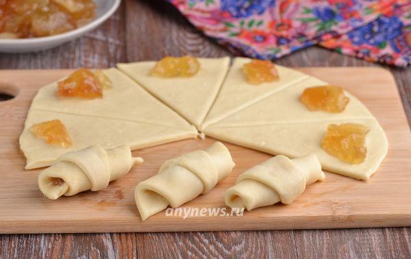 Сладкие рогалики на сметане - рецепт пошаговый с фото