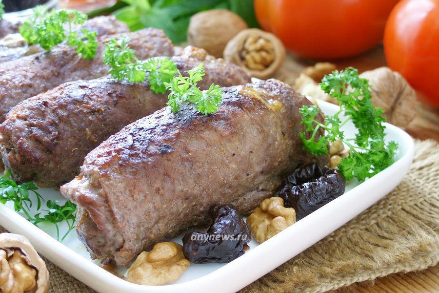 мясные рулетики с черносливом - рецепт