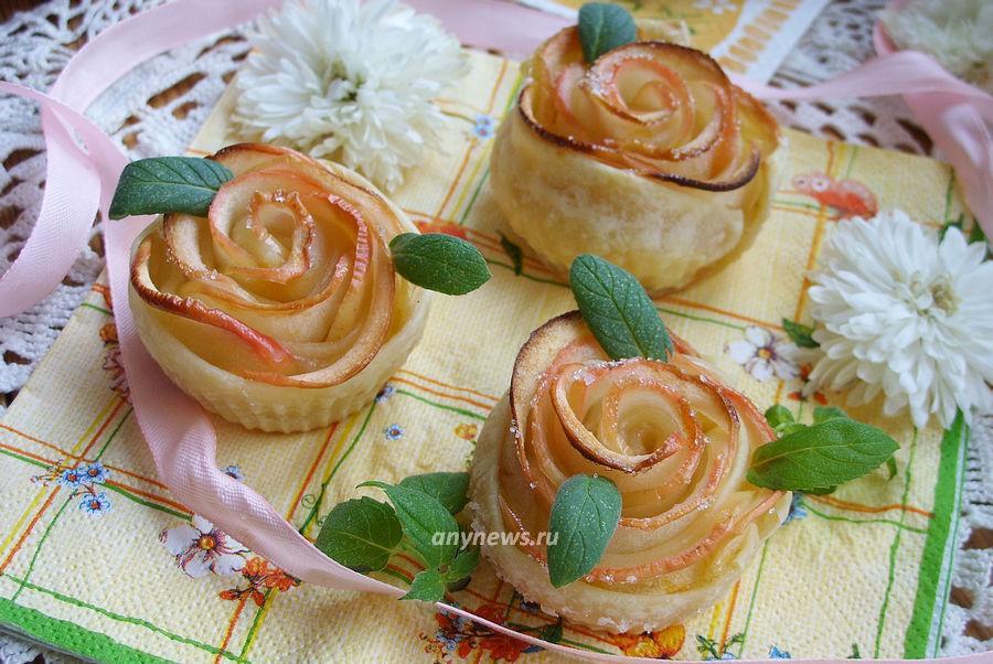 Яблоки в слоеном тесте запеченные в духовке