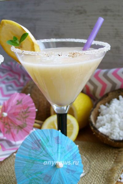 безалкогольный коктейль с кокосовым молоком
