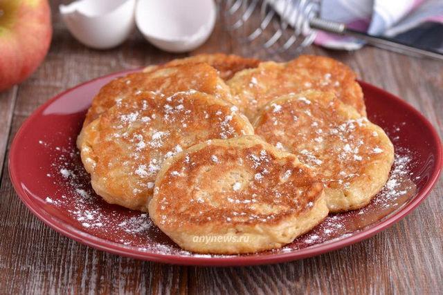 Оладьи на кефире с яблоками - рецепт