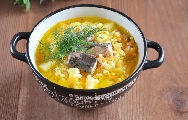 Рыбный суп из консервов с пшеном