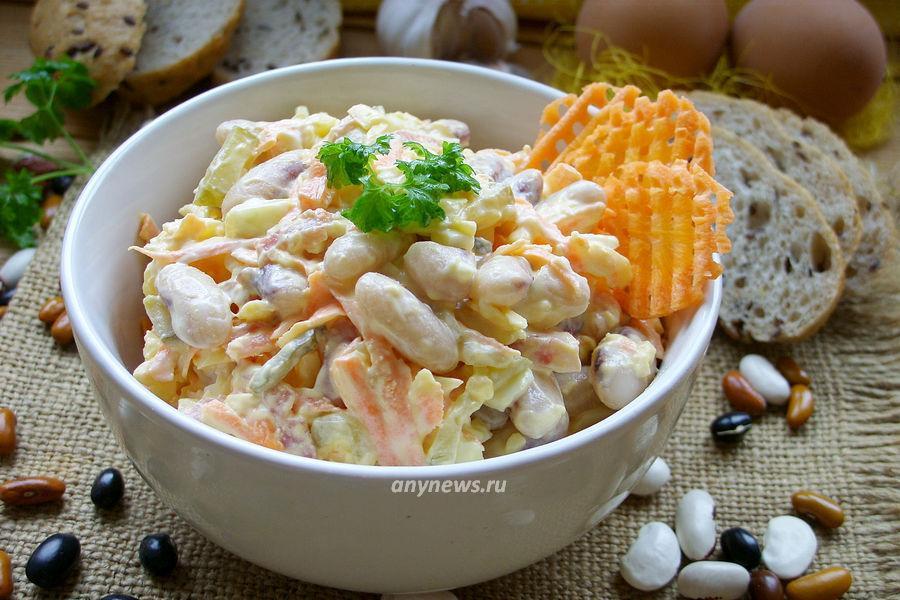 Салат с фасолью и колбасой - рецепт