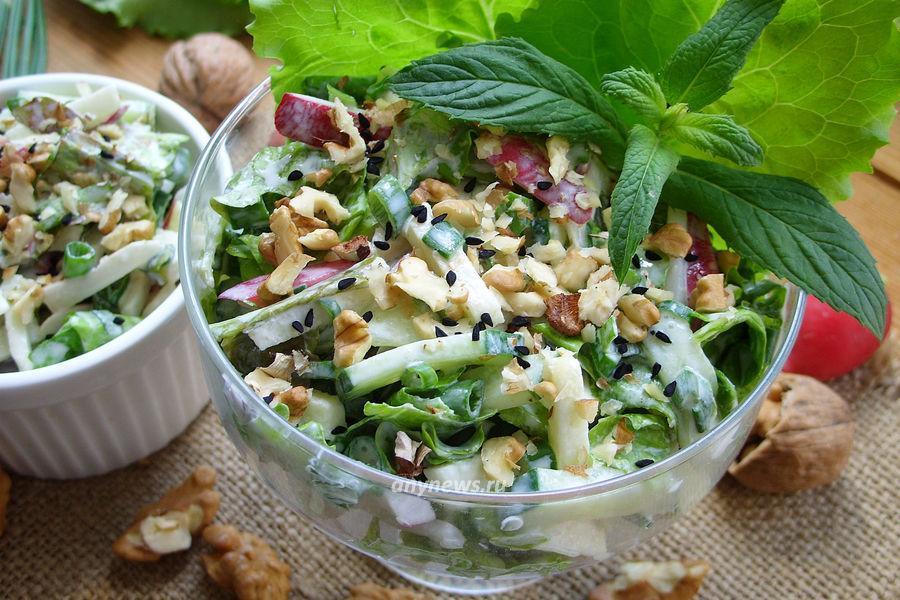 салат из редиски со сметаной - рецепт