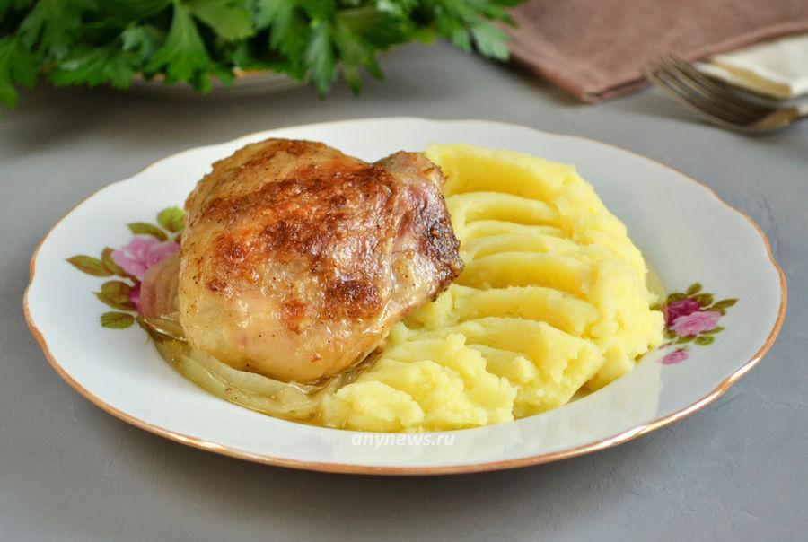 Куриные бедра в рукаве в духовке - рецепт