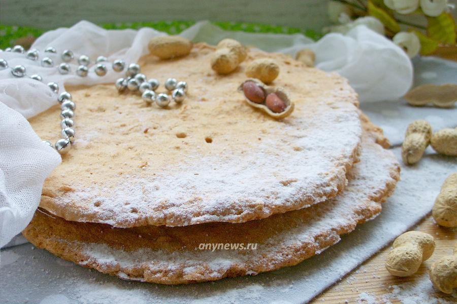 Белковые коржи с орехами для торта - рецепт