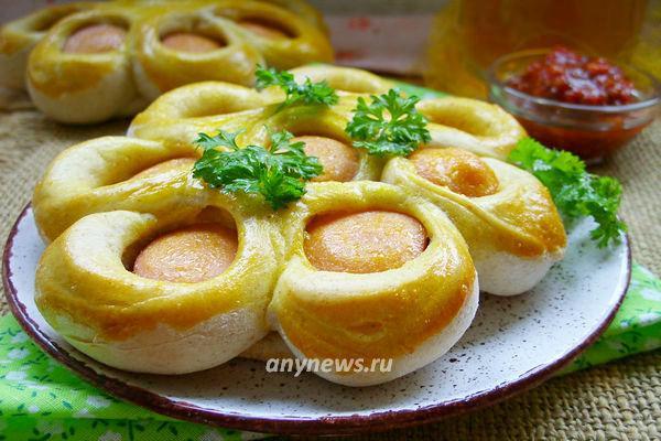 Сосиски в тесте цветочком в духовке