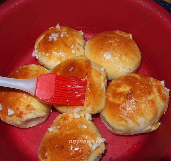 Пышные чесночные булочки-пампушки к борщу