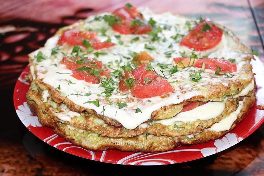 Торт из кабачков с помидорами - рецепт