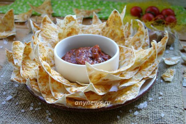 Вкусные чипсы из готового лаваша с сыром