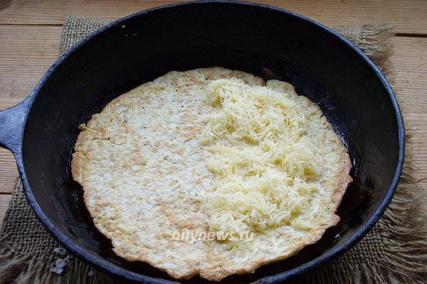 Овсяноблин с яйцом и сыром