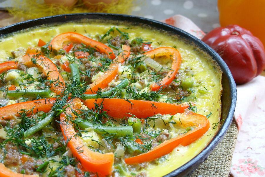 Омлет с фаршем на сковороде - рецепт