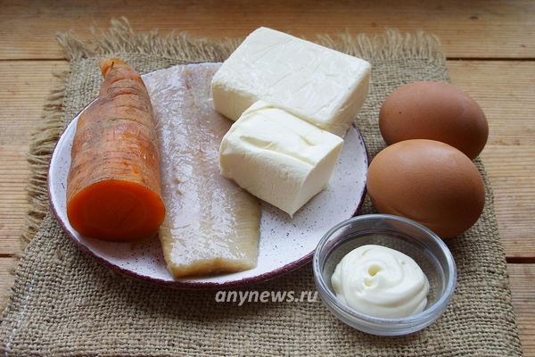 Паштет из селедки с морковью и маслом