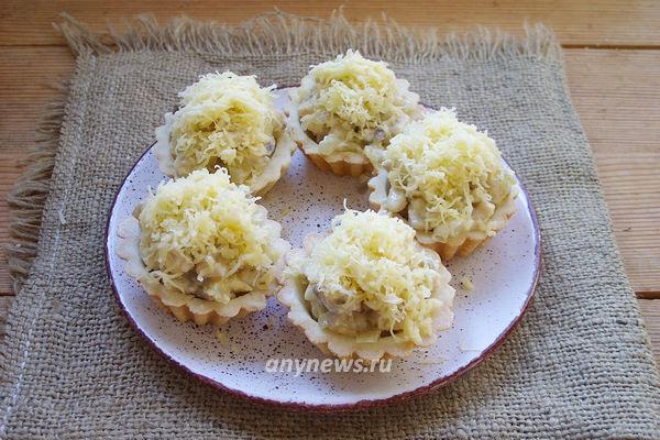 Тарталетки с начинкой - курица с грибами и сыром