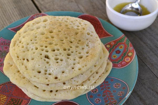 Марокканские блинчики Багрир с медовым соусом