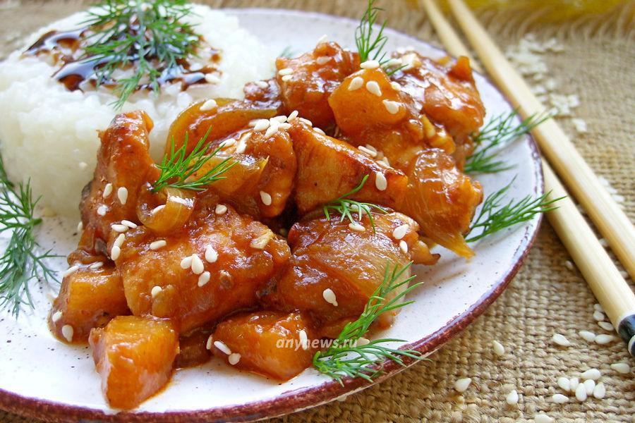 Курица с ананасами на сковороде - рецепт