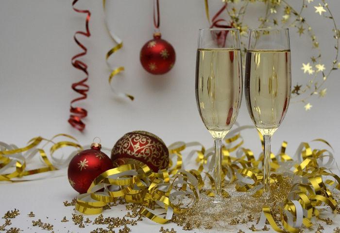 Шаблон новогодней открытки - шампанское