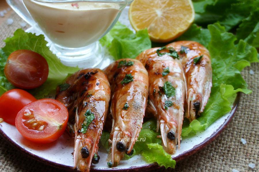 Креветки в панцире на сковороде - рецепт