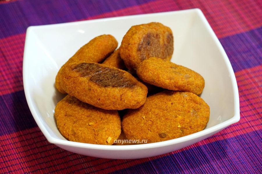 Морковные котлеты в духовке с манкой - рецепт