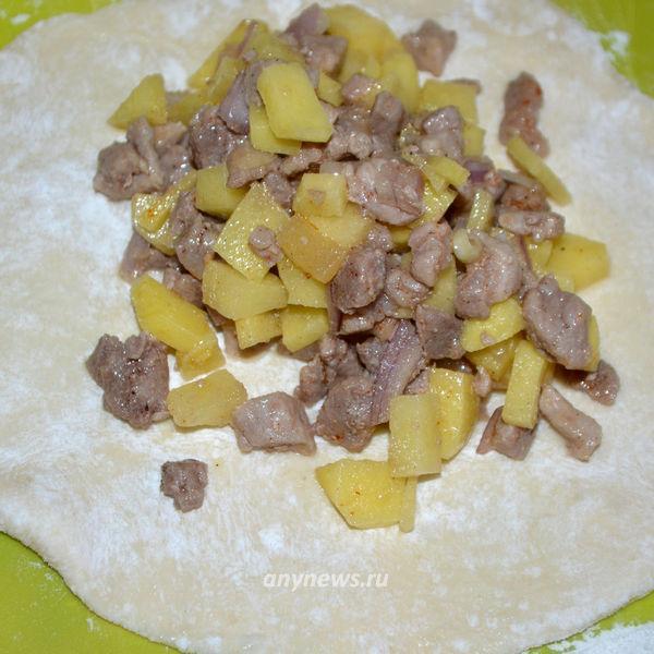 Открытые пирожки с картошкой и мясом