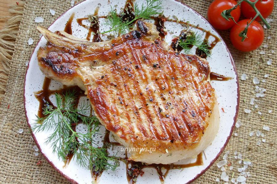 Стейк из свинины на кости - рецепт
