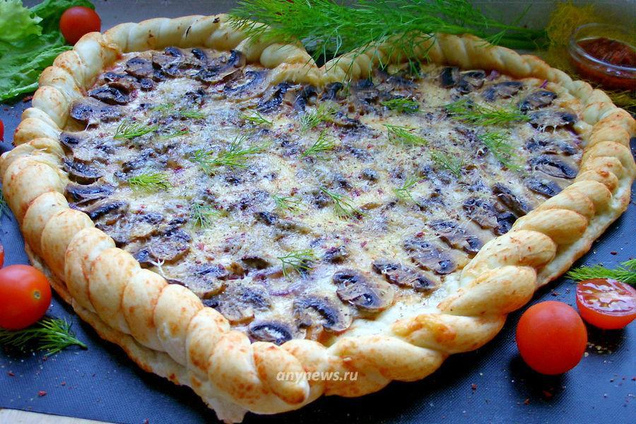 """Пицца """"Сердце"""" с грибами и сыром - рецепт"""