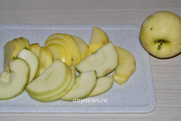 Постная галета с яблоками и корицей