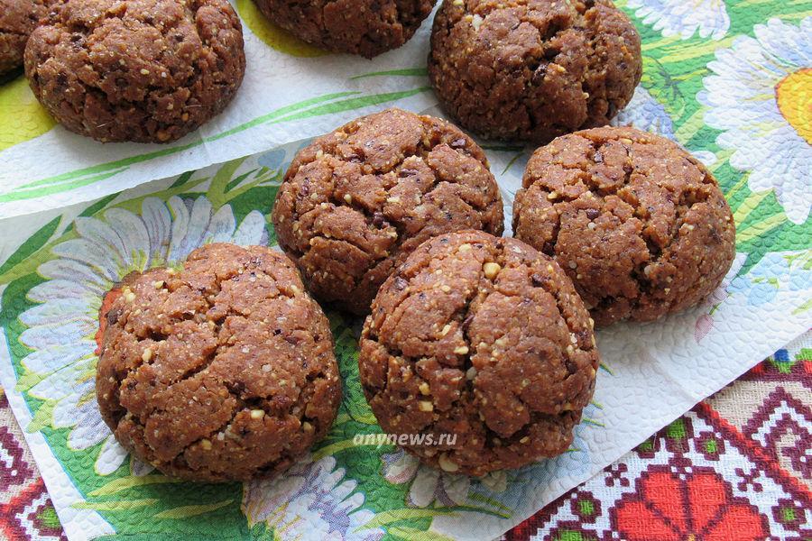 Ореховое печенье с шоколадом - рецепт