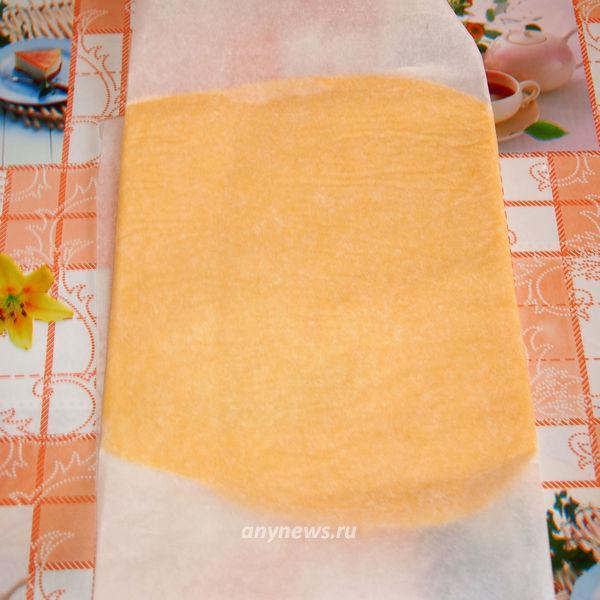 Соленые сырные палочки с кунжутом
