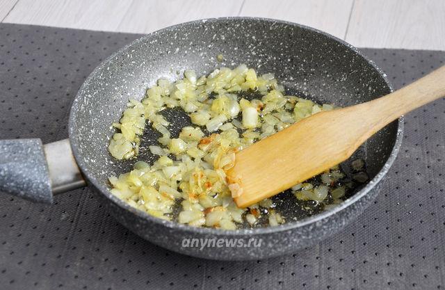 Ленивые вареники с картофелем - готовим обжарку