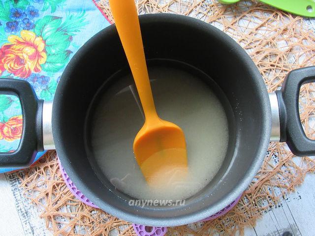 Готовим инвертный сироп - растворяем сахар