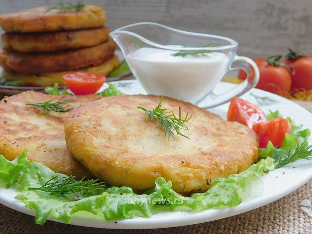 картофельные лепёшки с сыром на сковороде
