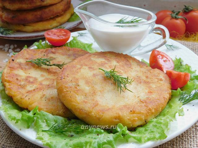 картофельные лепешки с сыром - рецепт с фото