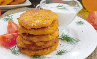 Оладьи из тыквы на сковороде - рецепт с фото
