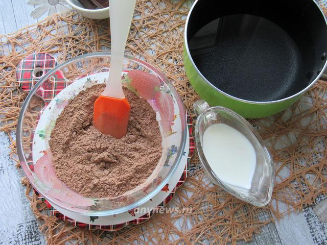 Шоколадное масло в домашних условиях - смешиваем ингредиенты
