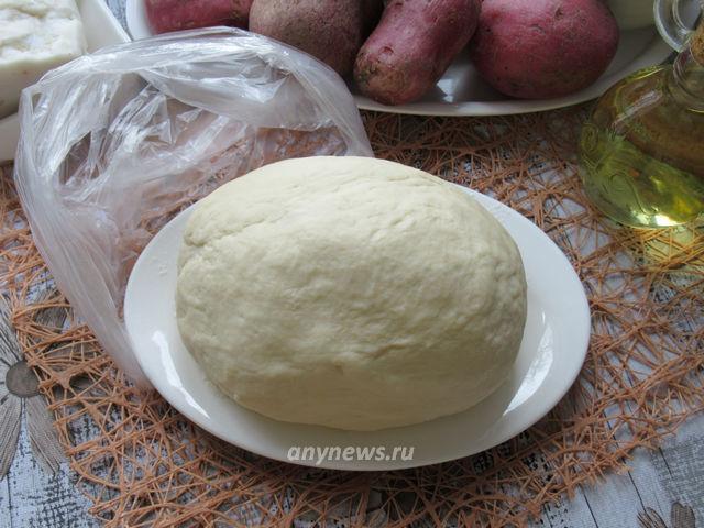 вареники с картошкой и грибами - тесто на картофельном отваре