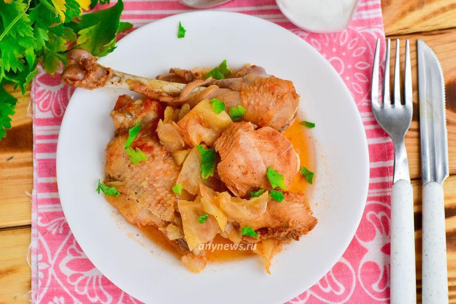 Тушеная капуста с курицей