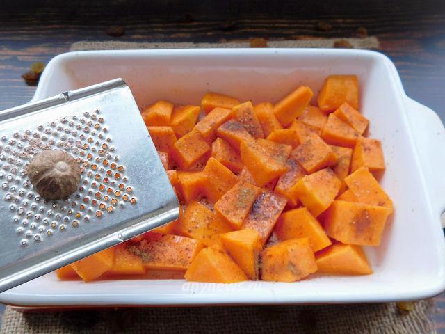 Тыква с яблоками запеченная в духовке кусочками